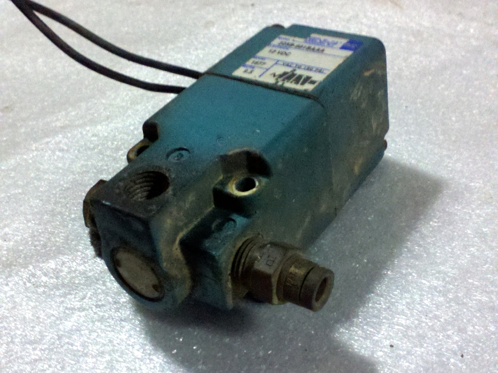 USED RV/MOTORHOME AIR SOLENOID P/N:  225B-601BAAA RV Chassis Parts