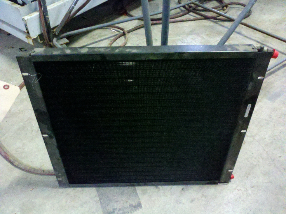 USED CAMPER/MOTORHOME AIR CONDITIONING CONDENSER FROM A 2005 ALFA RV RV Chassis Parts