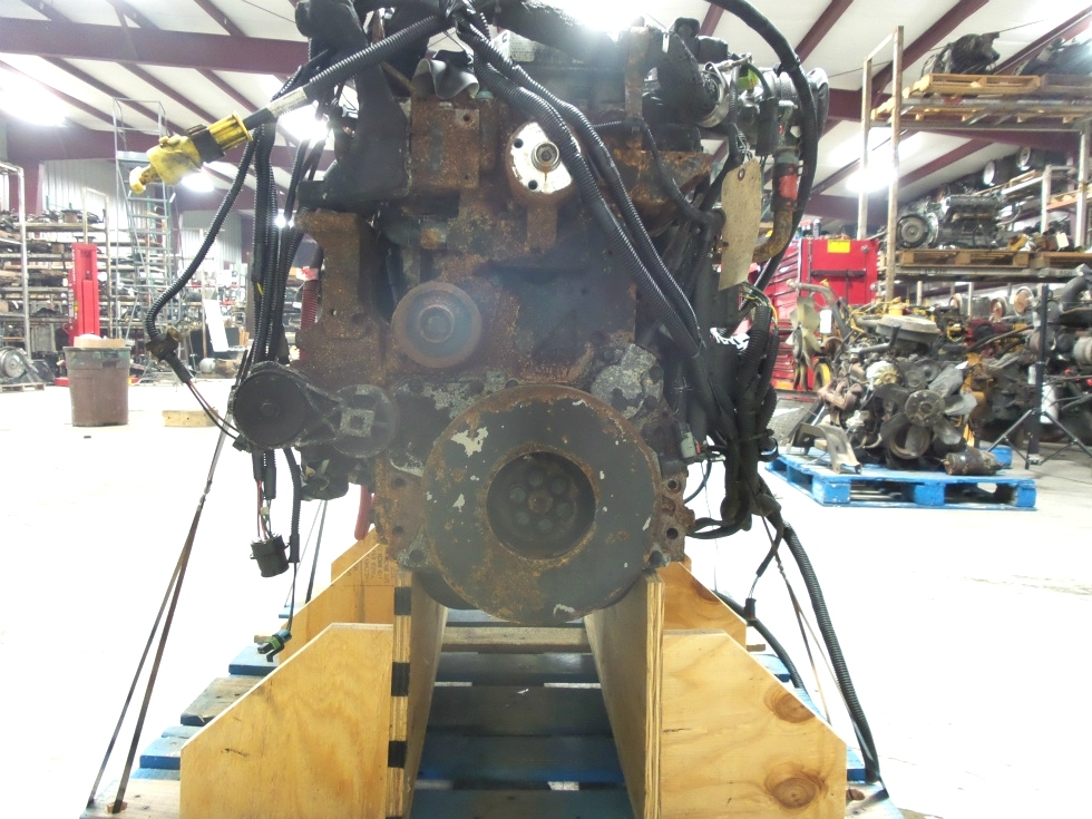 USED CUMMINS ENGINE 5.9L ISB300 REAR DRIVE YEAR 2005 FOR SALE  RV Chassis Parts