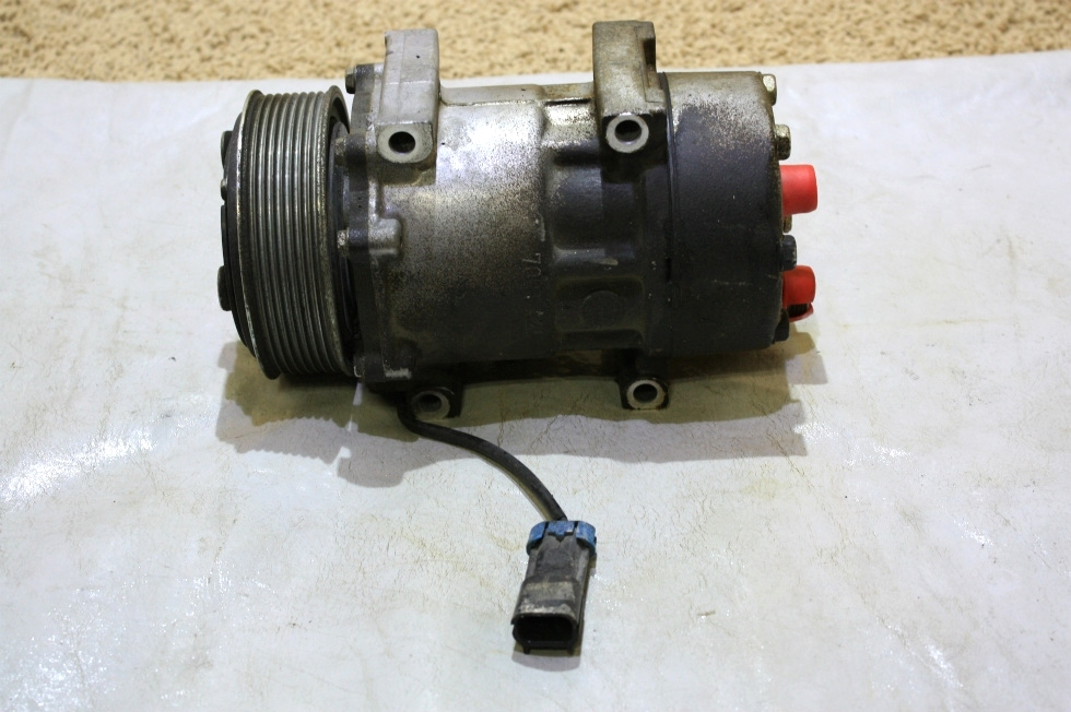 USED MOTORHOME SANDEN AC COMPRESSOR U4667 FOR SALE RV Chassis Parts