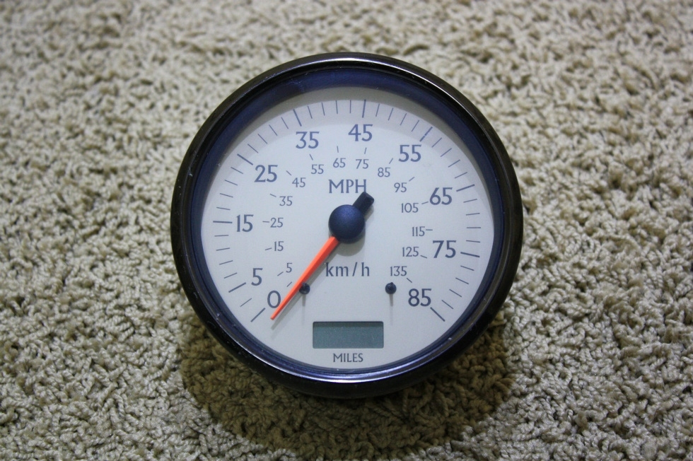 USED SPEEDOMETER 945869 032904 FOR SALE RV Components