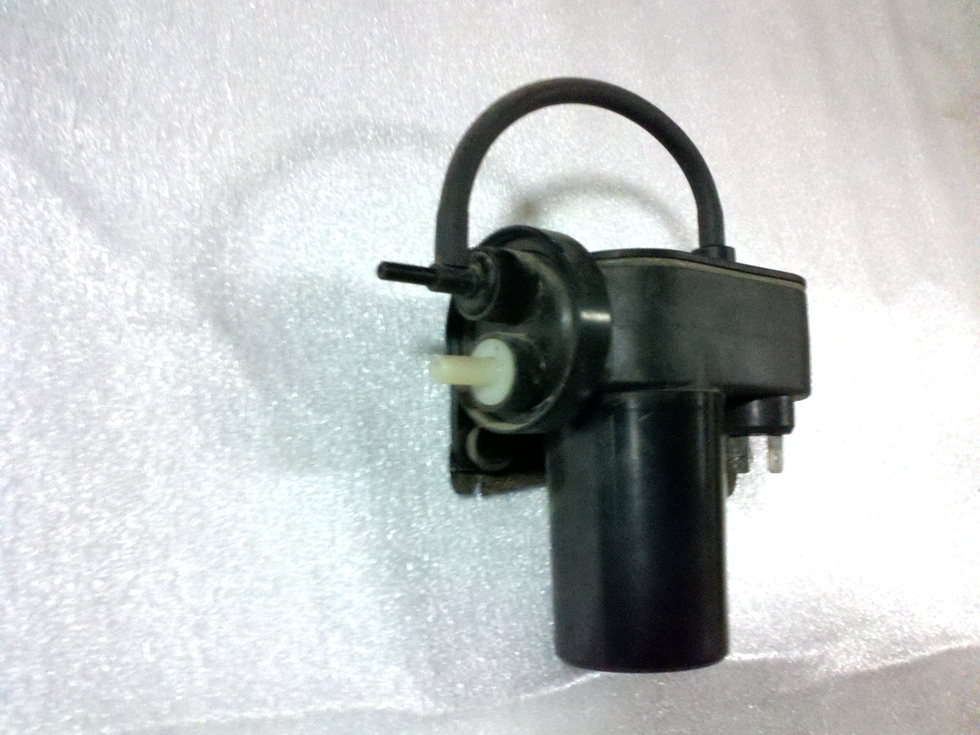 USED FORD VACUUM PUMP P/N: E3 HT-2A451-BA RV Components