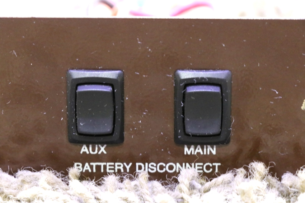 USED BATTERY DISCONNECT AUX / MAIN SWITCH PANEL L9224HP RV PARTS FOR SALE RV Components