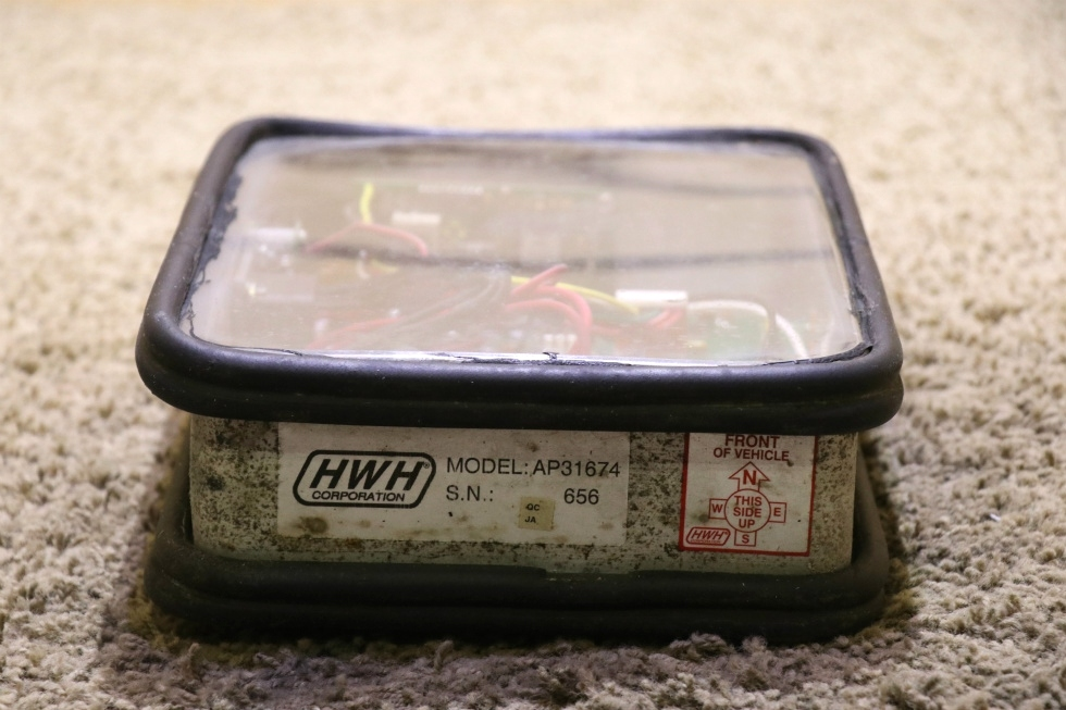 HWH LEVELEZE AP31674 USED MOTORHOME LEVELING CONTROL BOX FOR SALE RV Components