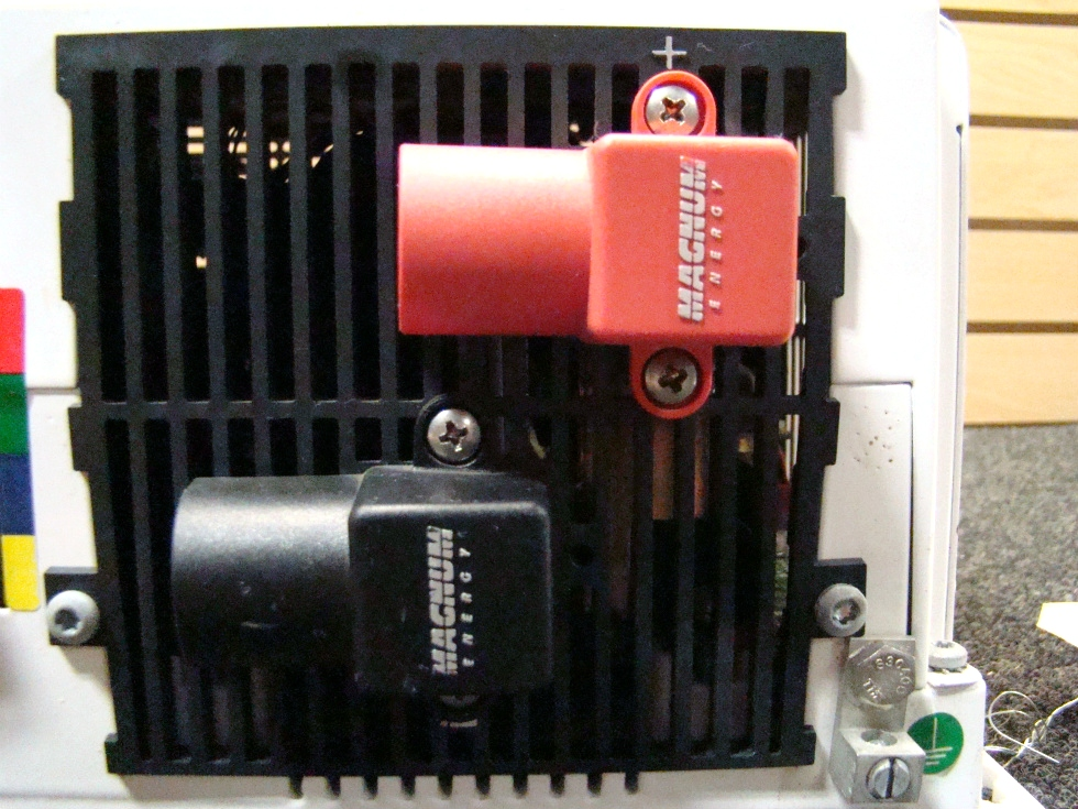 USED RV/MOTORHOME MAGNA SINE CHARGER/INVERTER RV Components