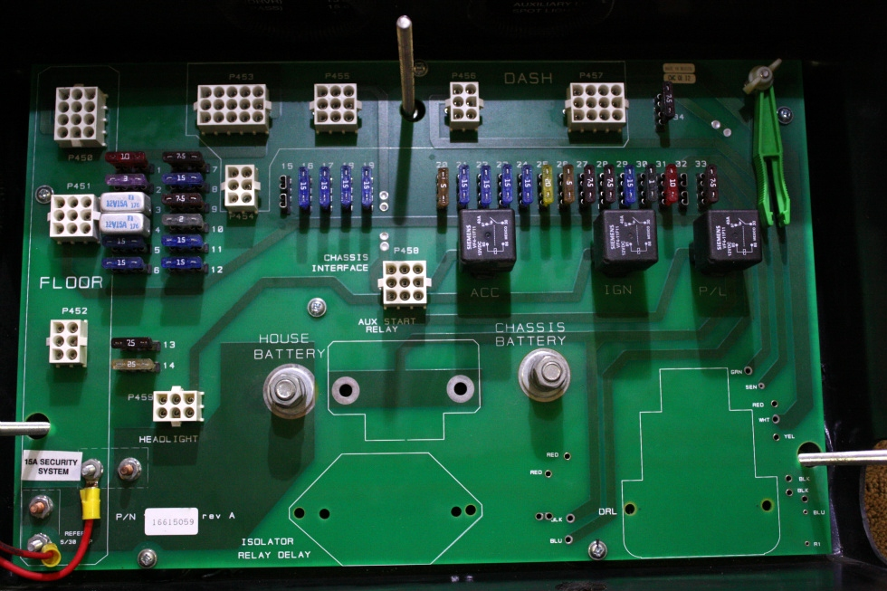 USED MONACO BATTERY CONTROL CENTER (BCC) 16615059 FOR SALE RV Components