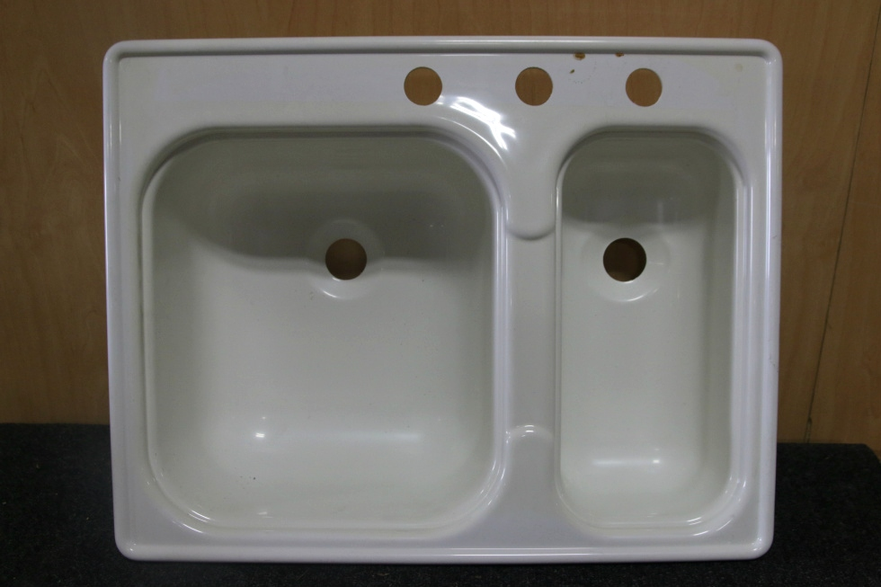 NEW/OLD STOCK DOUBLE PLASTIC KITCHEN SINK SIZE: 24-3/4 X 19-3/8 RV Accessories