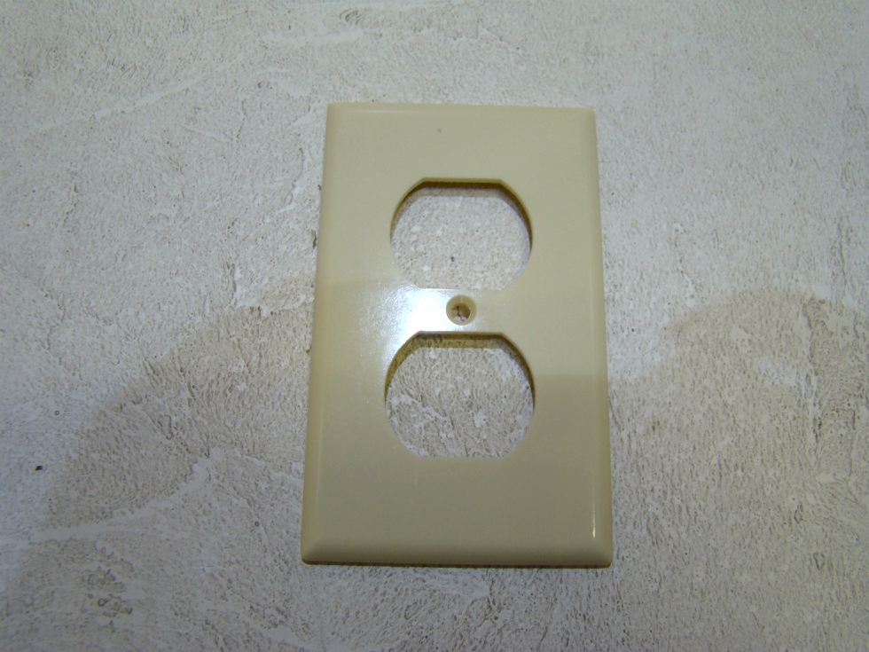 NEW RV/MOTORHOME PLASTIC UNIVERSAL OUTLET PLATE $3.99 FREE SHIPPING RV Accessories