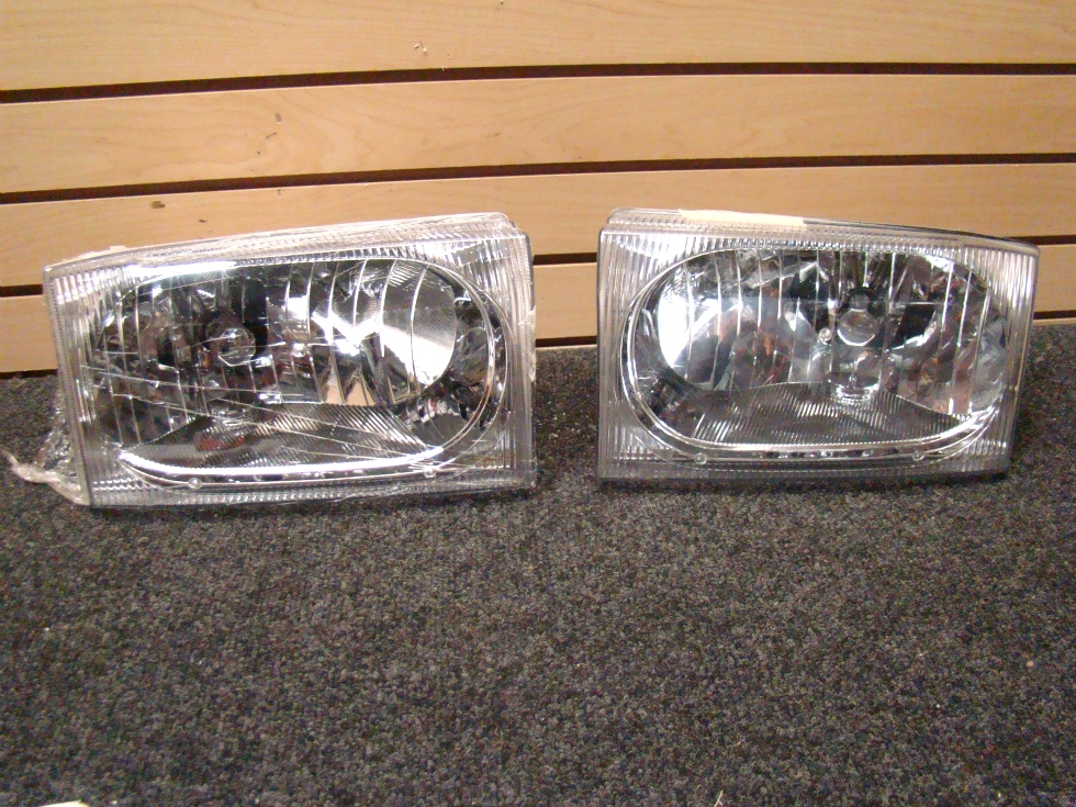 USED FLEETWOOD HEADLIGHT SET DOT SAE HR 02 SIZE: 6 1/2 RV Accessories