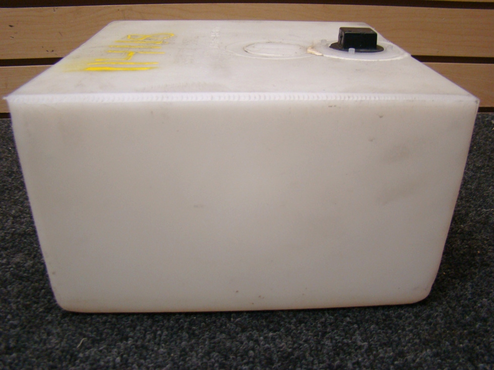 RV Accessories USED RV/MOTORHOME 2 GALLON RESERVOIR WATER