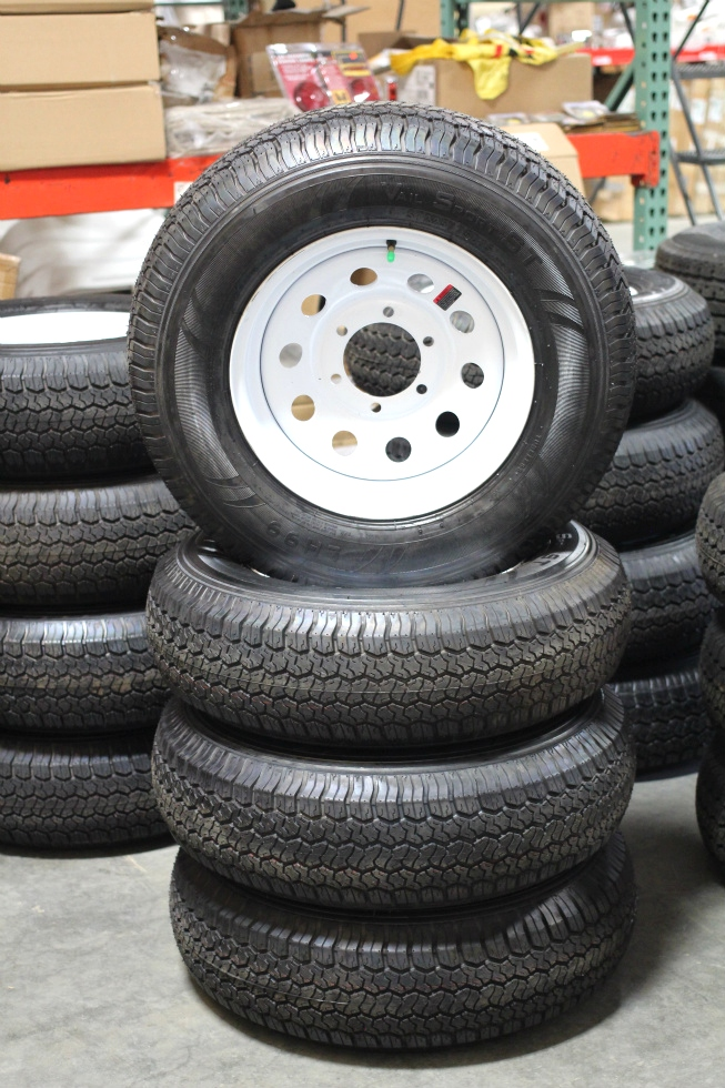 NEW/OLD STOCK RV/MOTORHOME VAIL SPORT WHITE RIMS & TIRE PACKAGE ST225/75D15  Towing Products