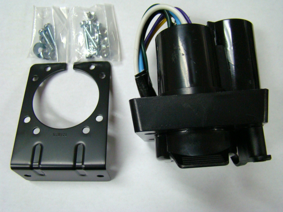 NEW HOPKINS VEHICLE WIRING KIT (7 BLADE AND 4 FLAT) FOR SALE Towing Products