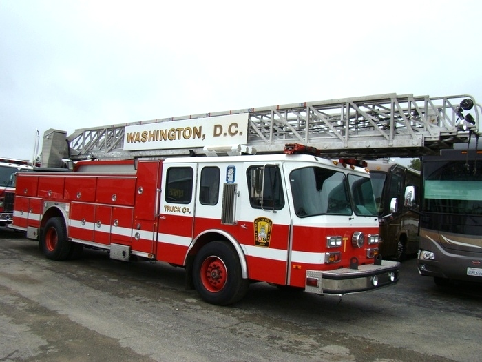 1999 E-ONE LADDER TRUCK / FIRE TRUCK FOR SALE  RV Parts