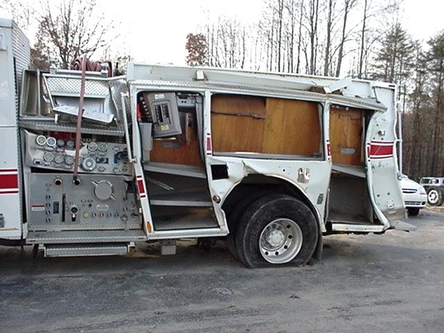 rv parts 2004 pierce fire truck pumper damagedwrecked