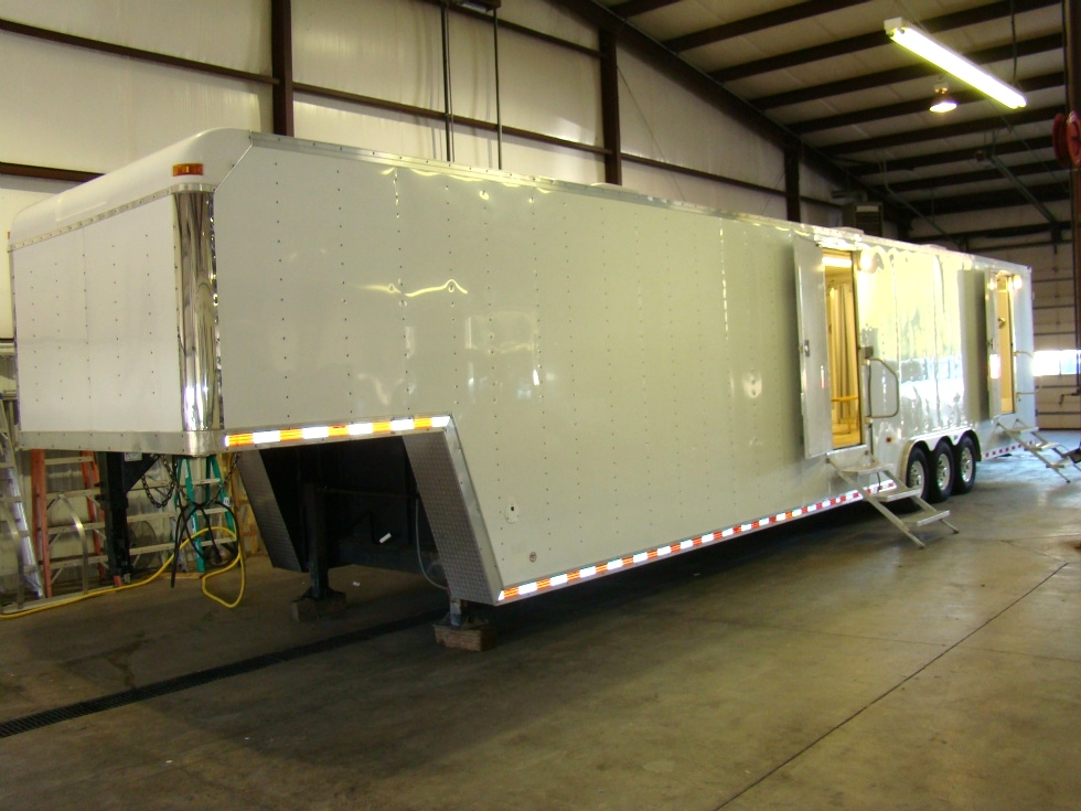 SHOWER TRAILER FOR SALE OR LEASE 48FT GOOSENECK TRAILER ( 13 SHOWER ) RV Parts
